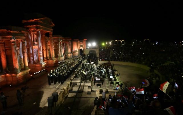 Un concert s'est tenu vendredi dans le théâtre... (Photo LOUAI BESHARA, AFP)