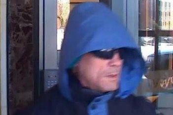 L'homme recherché mesure environ 5' 4'', parle français... (Photo fournie par la police de Québec)