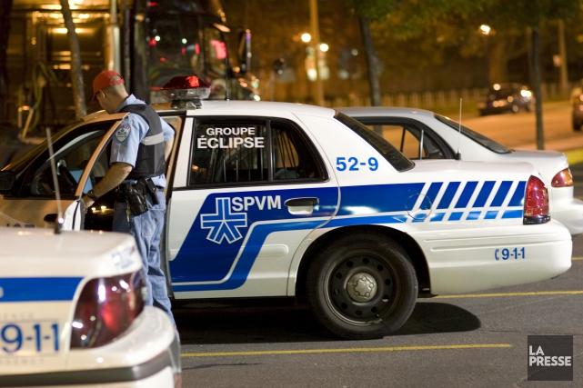 Deux hommes et deux femmes qui seraient reliés au crime organisé ont été... (Photo Robert Skinner, Archives La Presse)
