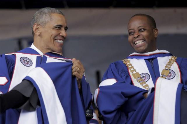 Le président américain Barack Obama aux côtés du... (Photo JOSHUA ROBERTS, Reuters)
