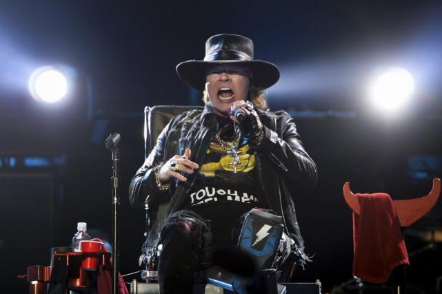 Axl Rose, de Guns N' Roses... (AP, PATRICIA DE MELO MOREIRA)