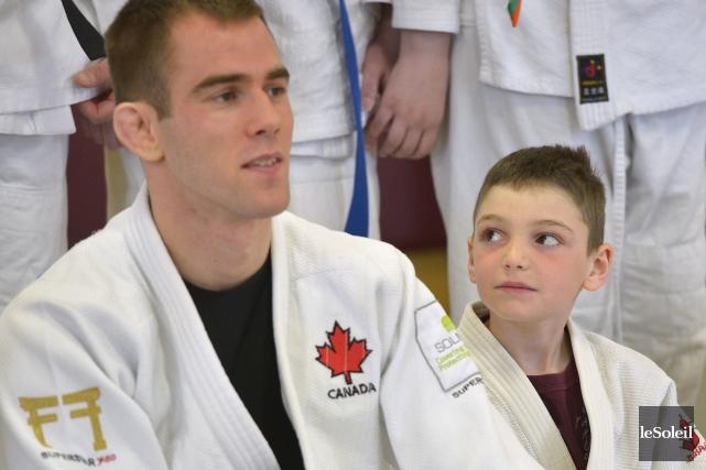 Ce jeune judoka était subjugué par Antoine Valois-Fortier... (Le Soleil, Yan Doublet)