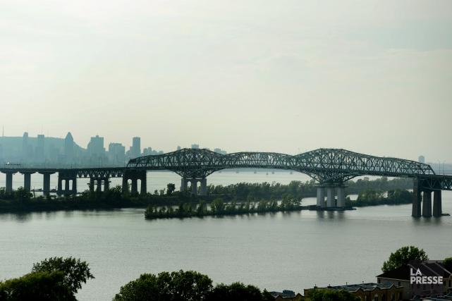 Pont Champlain... (PHOTO BERNARD BRAULT, ARCHIVES LA PRESSE)