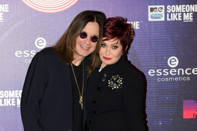 Ozzy Osbourne et Sharon Osbourne à Glasgow, en... (PHOTO AFP)