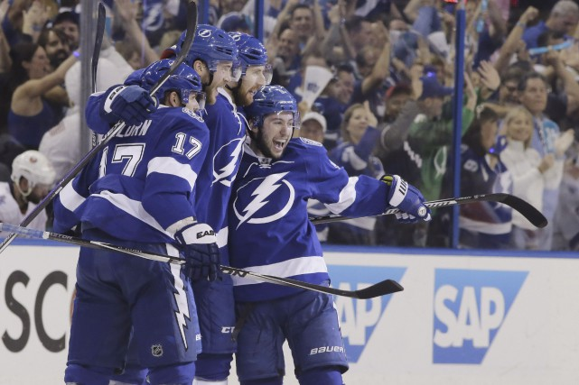 Le Lightning de Tampa Bay atteint la finale... (Associated Press)