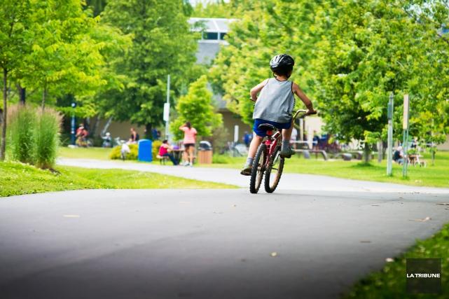 Les enfants fréquentant les camps de jour de la ville de Sherbrooke pourraient... (Archives, La Tribune)