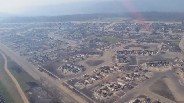 Des images aériennes montrent certains quartiers de Fort... (La Presse Canadienne)