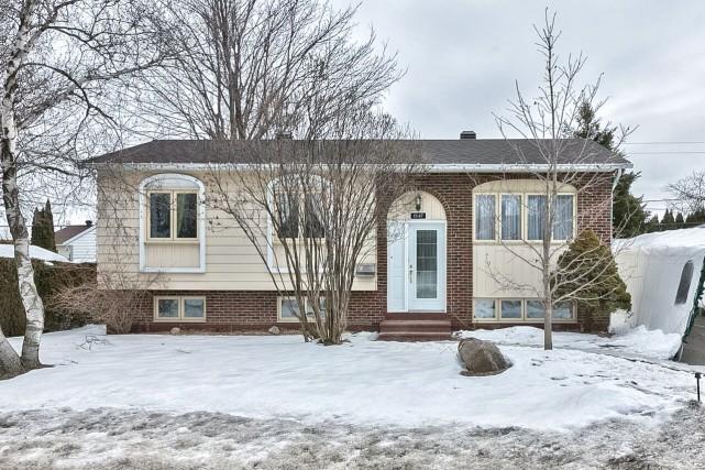 Maison de plain-pied située au1547, rue Scheffer,Chambly... (PHOTO FOURNIE PAR LES COURTIERS)