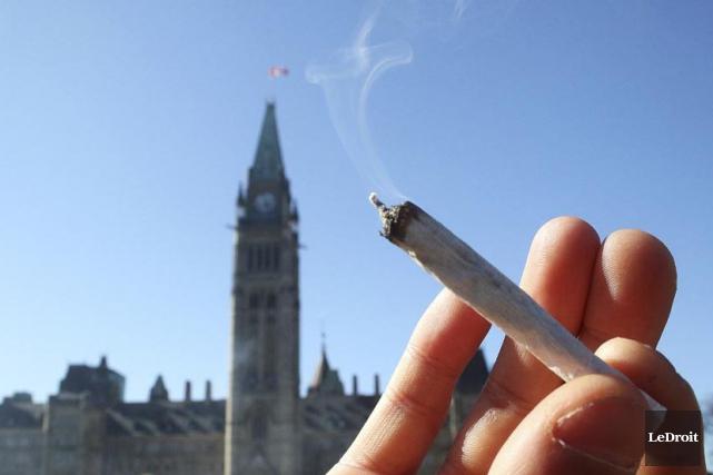 Des mesures de prévention du tabagisme comme la neutralité des emballages... (Photo archives Le Droit)