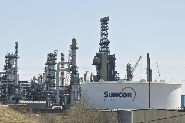 Le premier groupe pétrolier canadien Suncor a prévu jeudi d'augmenter... (PHOTO ARCHIVES LA PRESSE CANADIENNE)
