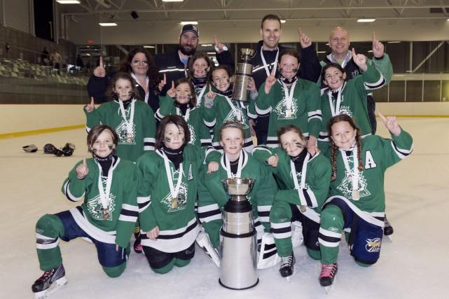 Les hockeyeuses de l'Express de l'Outaouais sont restées... (Courtoisie)