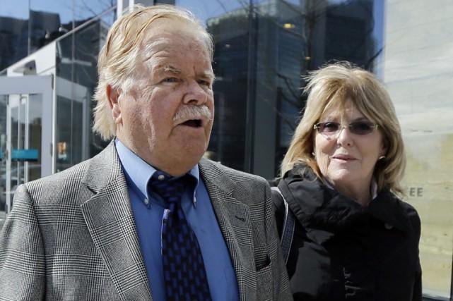 Robert Fitzpatrick et sa femme à leur sortie... (ARCHIVES AP)