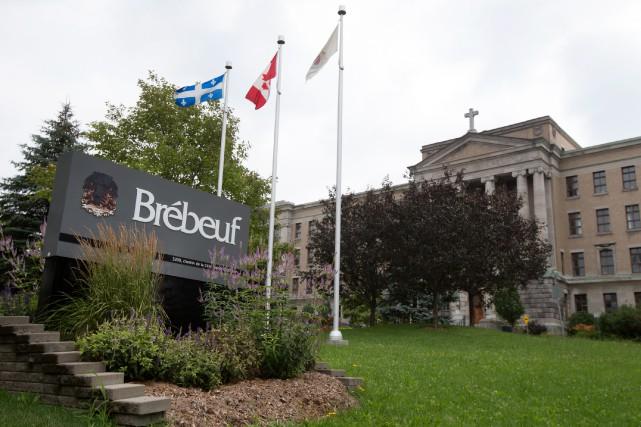 Mercredi dernier, le collège Jean-de-Brébeuf avait autorisé les... (PHOTO ROBERT SKINNER, archives LA PRESSE)