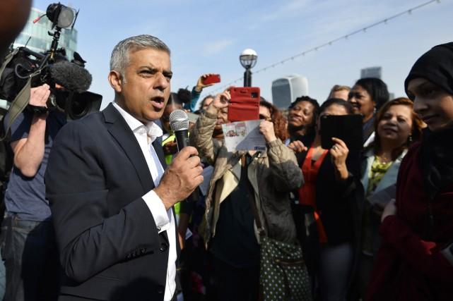 Au lendemain d'attentats meurtriers à Londres, en septembre,... (PHOTO HANNAH MCKAY, ARCHIVES REUTERS)