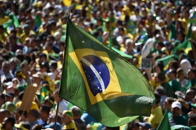 Alors que les députés brésiliens se prononçaient sur... (PhotoNELSON ALMEIDA, archives Agence France-Presse)