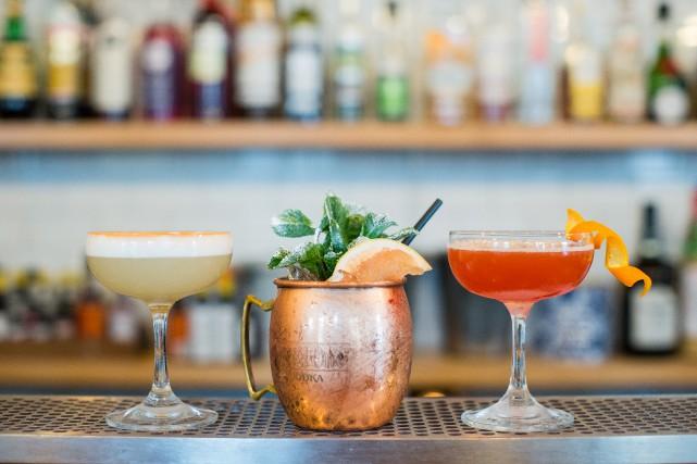 Trois cocktails offerts chez Maëlstrom:Amaretto Sour, un «faux»... (PHOTO EDOUARD PLANTE-FRÉCHETTE,LA PRESSE)