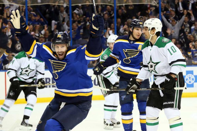 Mercredi face aux Stars, Troy Brouwer disputera un... (Associated Press)