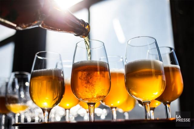 La bière a repris son titre d'alcool préféré des Québécois, déclassant le vin.... (PHOTO ÉDOUARD PLANTE-FRÉCHETTE, LA PRESSE)
