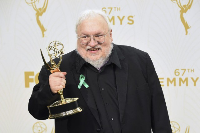 George R.R. Martin lors des Emmy Awards en... (PHOTO ARCHIVES AFP)