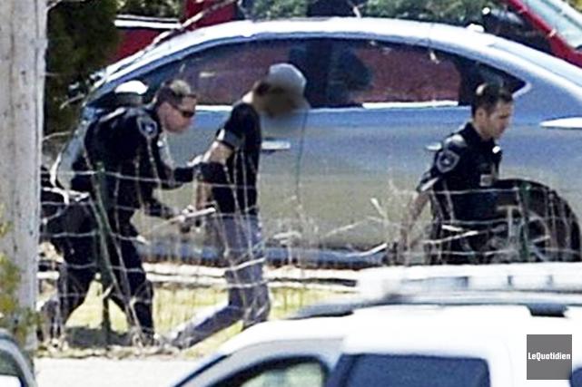 Un homme armé s'est barricadé pendant près d'une... ((Photo Le Quotidien, Jeannot Lévesque))