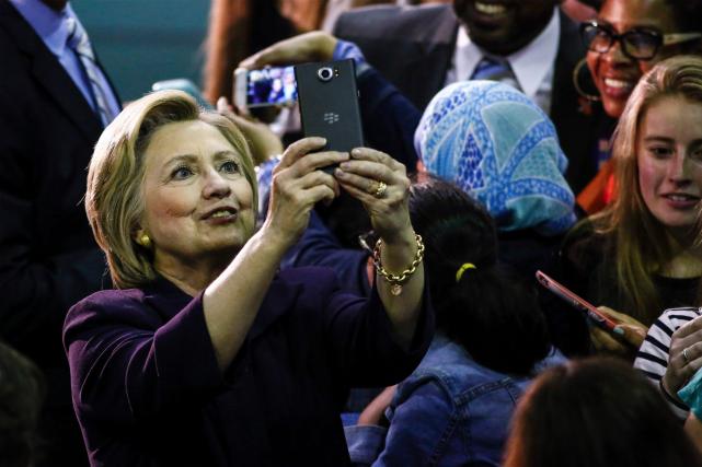 Les courriels d'Hillary Clinton, envoyés et reçus de... (AFp, Kena Betancur)