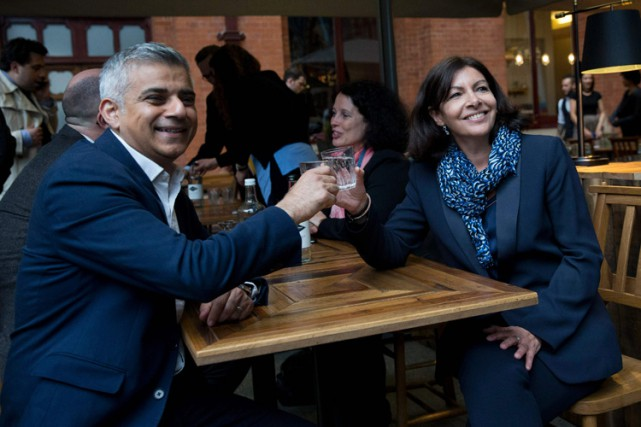 Sadiq Khan, qui a annoncé son intention de... (PHOTO AFP)