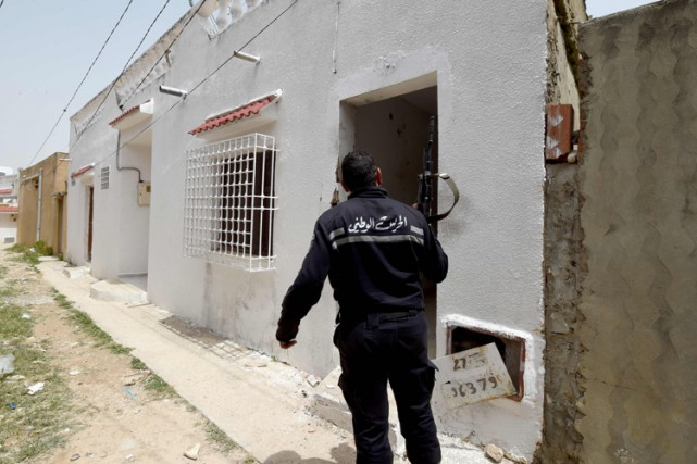 La Tunisie fait face depuis sa révolution en... (PHOTO AFP)