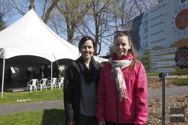 Karine Dupuis et Nancy Tremblay, de Vie culturelle... (Alain Dion, La Voix de l'Est)