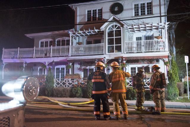 Le feu a pris naissance dans le restaurant... (Spectre Média, Julien Chamberland)