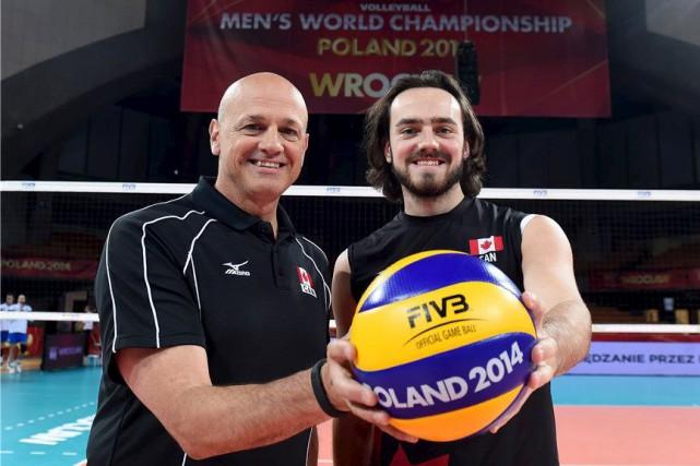 Papa Glenn et fiston Nicholas se côtoient chaque... (Photo fournie par Volleyball Canada)