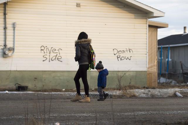 Attawapiskat est confrontée à une crise des suicides... (La Presse Canadienne)