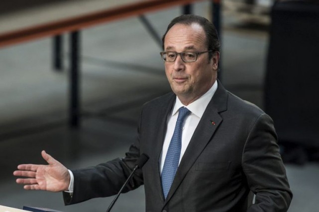 François Hollande... (PHOTO CHRISTOPHE PETIT TESSON, REUTERS)