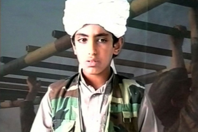 Hamza ben Laden, dans une vidéo de propagande... (PHOTO BALKIS PRESS, ABACAPRESS.COM)