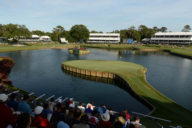 Le 17e trou du parcours TPC Sawgrass, une... (Photo John David Mercer, archives USA Today)