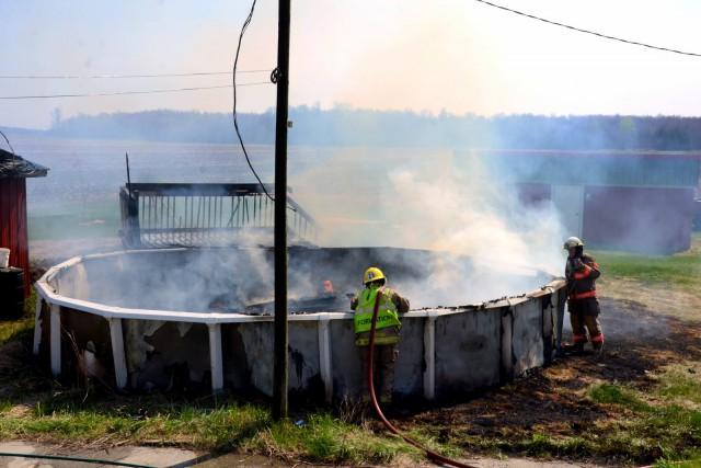Les pompiers de Saint-Germain-de-Grantham sont intervenus sur les... (Photo collaboration spéciale Éric Beaupré)
