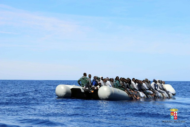 La marine italienne avait également secouru des nombreux... (PHOTO FOURNIE PAR LA MARINE ITALIENNE)