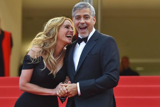Julia Roberts et George Clooney semblaient s'amuser comme... (AFP, Loic Venance)
