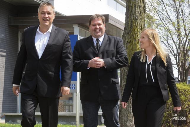 L'ancien vice-recteur Martin Gélinas (au centre) à la... (François Gervais)