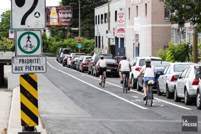 Le maire Denis Coderre en avait promis 67, mais c'est finalement 52kilomètres... (PHOTO HUGO-SEBASTIEN AUBERT, LA PRESSE)