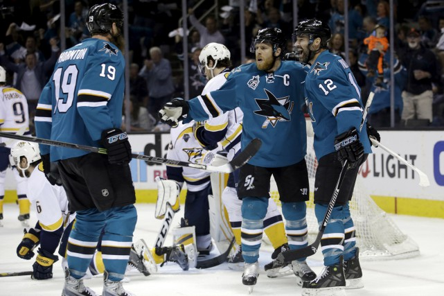 Grâce à un gain de 5-0, les Sharks... (Associated Press)