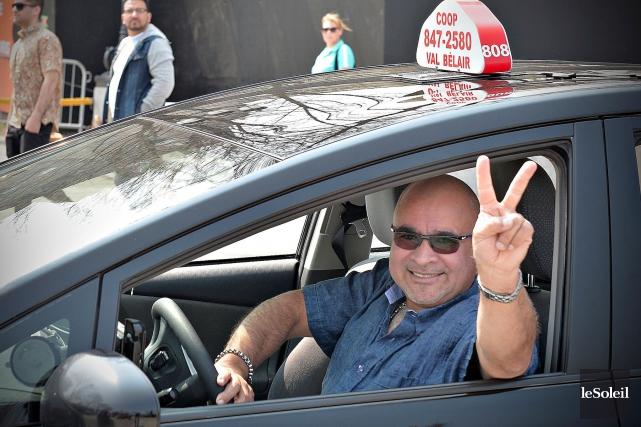 Les chauffeurs de taxi ont crié victoire, jeudi,... (Le Soleil, Pascal Ratthé)