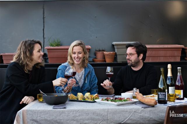 Benoît Roberge, Marie-Pier Gauthier et Mélanie Charbonneau tiennent... (PHOTO OLIVIER JEAN, LA PRESSE)