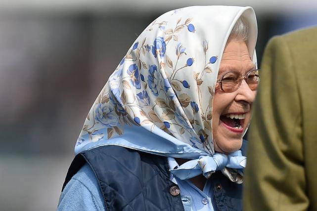 La reined'Angleterre ElisabethIIa assisté à la victoire de... (Photo Andrew Matthews, AP)
