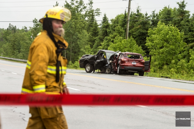Le nombre de décès sur les routes de l'Estrie était à la baisse en 2015 par... (Archives La Tribune)