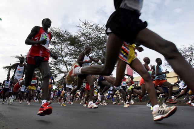 Une quarantaine d'athlètes kényans ont été impliqués dans... (Photo Radu Sigheti, archives Reuters)