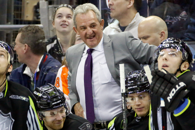 L'entraîneur-chef des Kings de Los Angeles, Darryl Sutter.... (Photo Gene J. Puskar, archives AP)