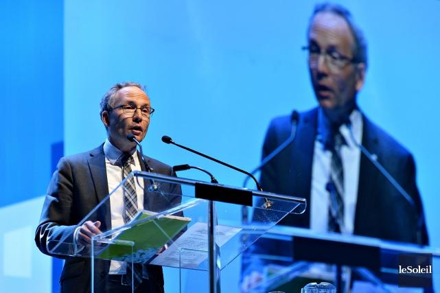 Le ministre des Affaires municipales, Martin Coiteux... (Photo Patrice Laroche, Le Soleil)