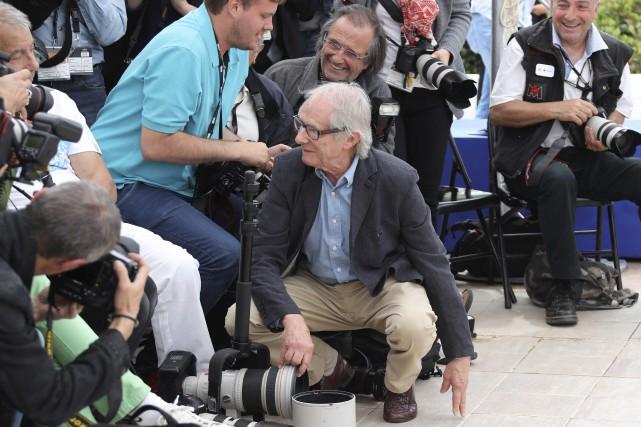 Ken Loach est allé rejoindre un photgraphe qui... (AFP, Valerie Hache)