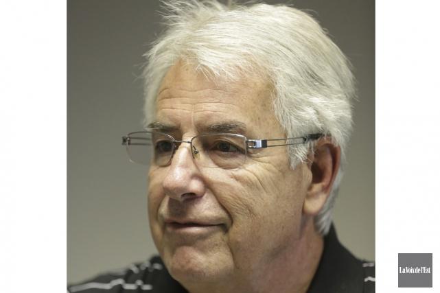 Mario Brisebois, un courtier de camionnage indépendant, soutient... (Catherine Trudeau, La Voix de l'Est)