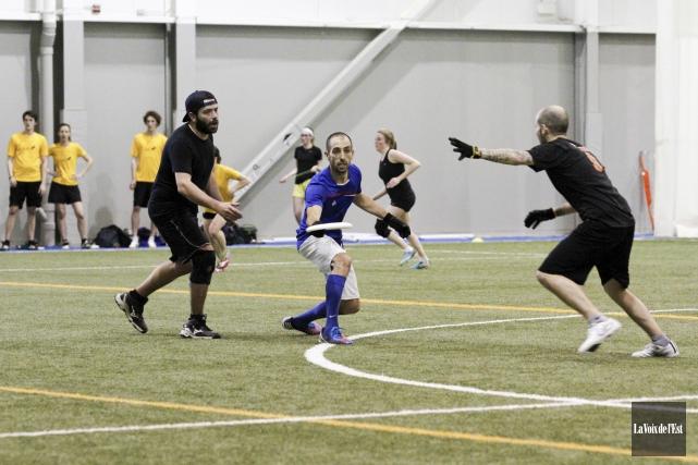 L'unique tournoi d'Ultimate Frisbee organisé à Granby a... (Julie Catudal, archives La Voix de l'Est)